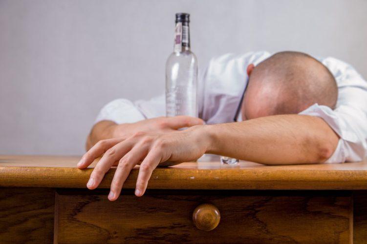 mąż pijany w pracy i domu to dramat dla rodziny